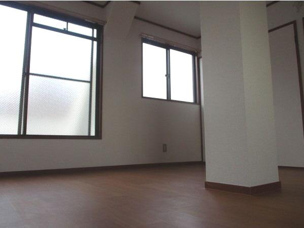 物件番号: 1025882453 永光ビルディング熊内橋  神戸市中央区熊内橋通3丁目 1K マンション 画像1