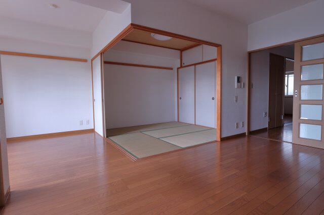 物件番号: 1025883843 中山手コーポ  神戸市中央区中山手通2丁目 2LDK マンション 画像3