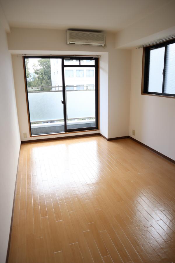 物件番号: 1025883916  神戸市中央区中山手通2丁目 1K マンション 画像1