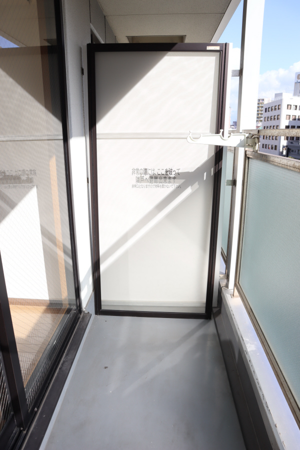 物件番号: 1025883916  神戸市中央区中山手通2丁目 1K マンション 画像8