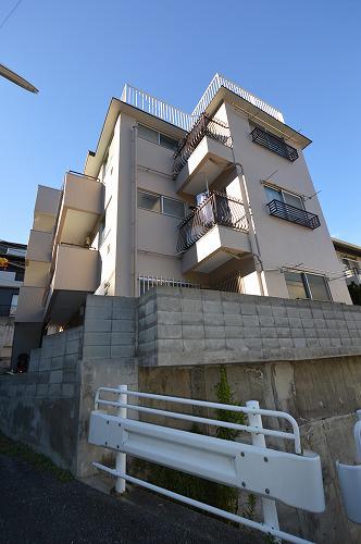 物件番号: 1025870549 ロイヤル中山手  神戸市中央区中山手通7丁目 2DK マンション 外観画像
