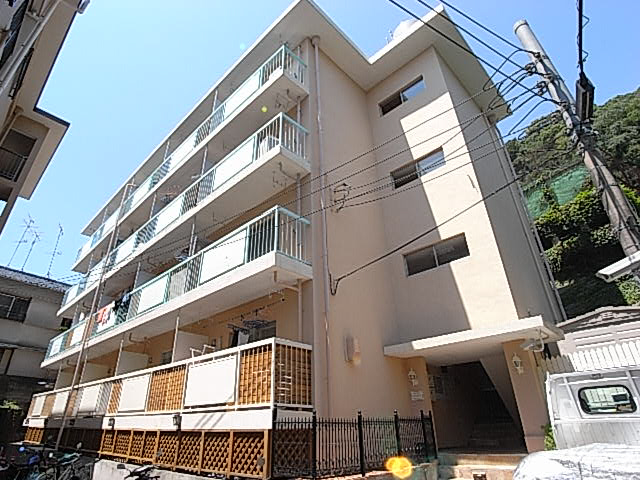 物件番号: 1025823398 マンションカザミドリ  神戸市中央区北野町3丁目 1K マンション 外観画像