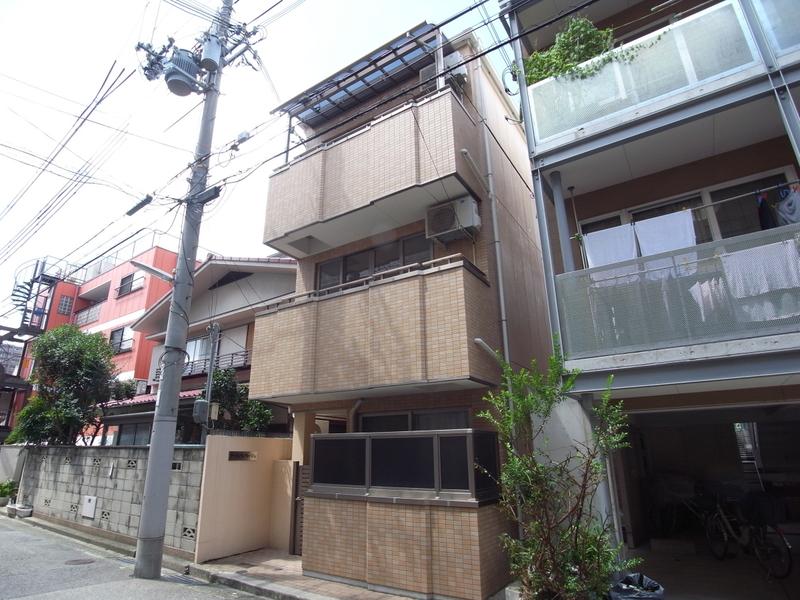 物件番号: 1025810740 アールヴィラージュ  神戸市灘区城内通2丁目 1K マンション 外観画像