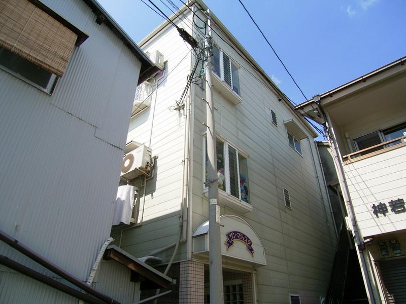 物件番号: 1025806149 サンマジェスタ  神戸市中央区神若通6丁目 1DK アパート 外観画像