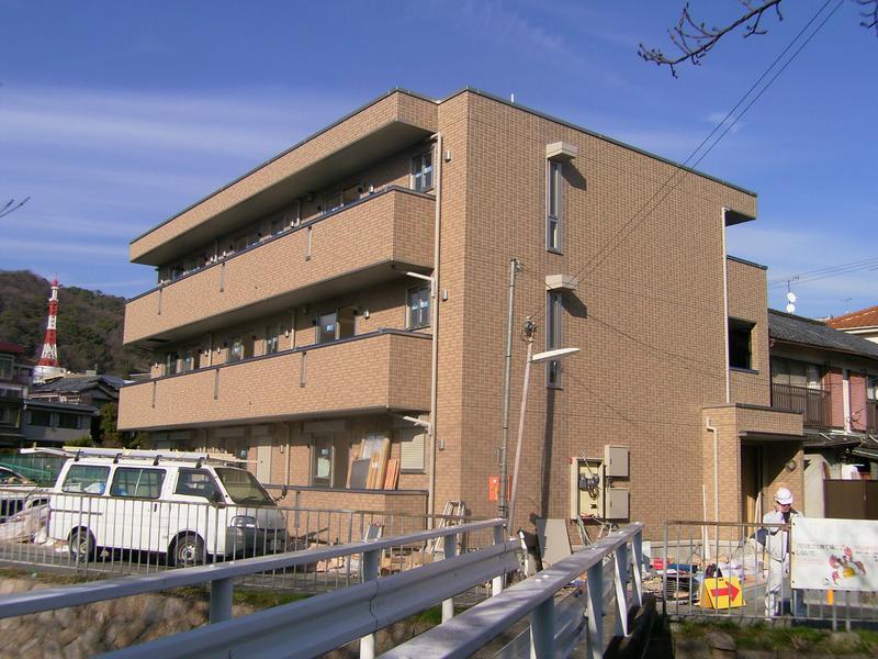 物件番号: 1025821990 リバープレイス中山手  神戸市中央区中山手通7丁目 1LDK マンション 外観画像