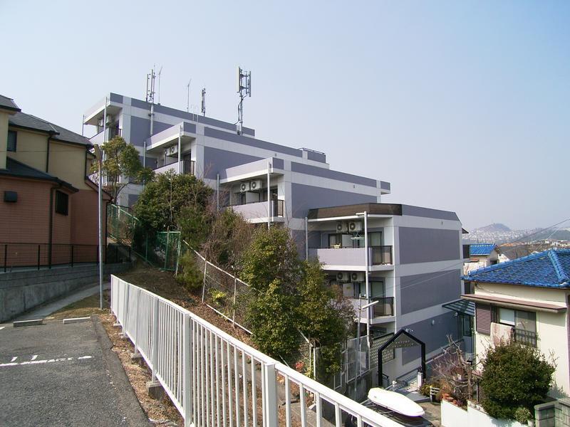 物件番号: 1025826174 コスモ神戸北  神戸市北区鈴蘭台東町5丁目 1DK マンション 外観画像