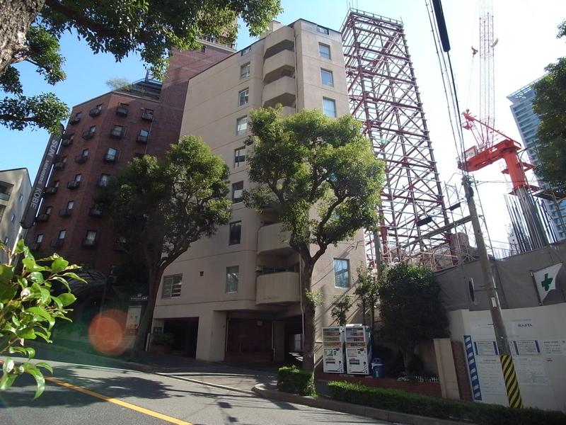 物件番号: 1025874210 タウンハウス熊内  神戸市中央区熊内町4丁目 2LDK マンション 外観画像