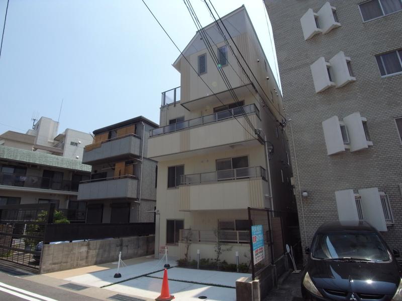 物件番号: 1025882186 アジェント北野  神戸市中央区北野町4丁目 1LDK マンション 外観画像
